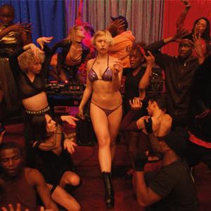Кто не танцует, тот не выживет: Коллективный бэд-трип в «Экстазе» Гаспара Ноэ — Кино на Wonderzine
