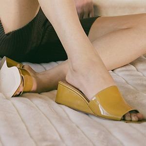 Босоножки на танкетке: Удобная альтернатива каблукам