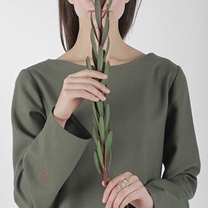 Московская марка Simpla: Минималистичные платья и футболки — Новая марка на Wonderzine