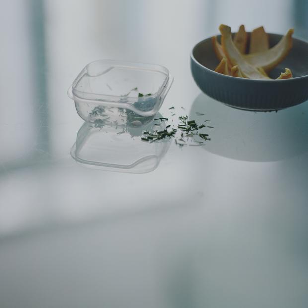Простые вещи: Карантинный фотопроект Любы Козорезовой — Фотопроект на Wonderzine