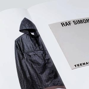 Архив творчества Рафа Симонса в двух томах — Вишлист на Wonderzine