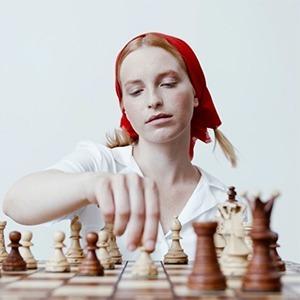 На кого подписаться: Феминистский шахматный клуб «Ферзинизм» — Игры на Wonderzine
