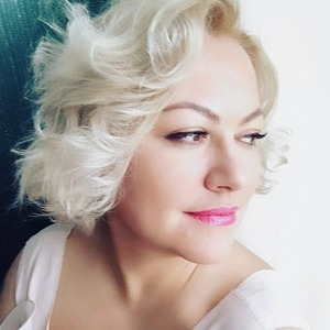 «Снова буду ходить лысой»: Как я живу с раком яичника — Личный опыт на Wonderzine
