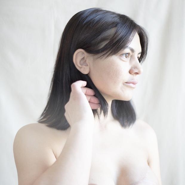 «Я стала как будто прозрачная»: Женщины  о жизни с раком груди