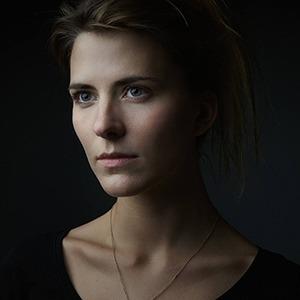 «Я говорю, ем и занимаюсь сексом»: Актриса Евгения Громова о главной роли в «Верности» — Интервью на Wonderzine