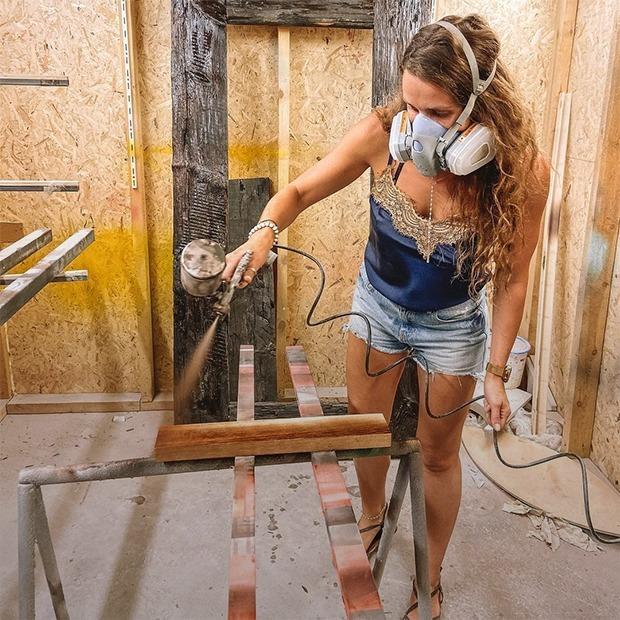 «Хочу быть самой крутой по слэбам»: Женщины-столяры о любви к своему делу