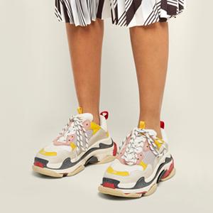 От папы до Канье: Массивные кроссовки как униформа года — Тенденция на Wonderzine