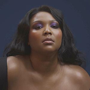 Новое имя: Бодипозитивная певица, рэперша и ЛГБТ-икона Lizzo — Музыка на Wonderzine