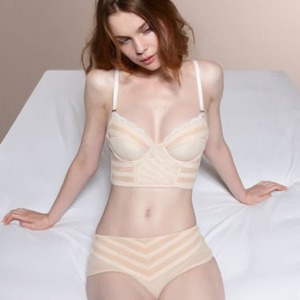 vk-seks-foto-lifchiki-delaet-minet-dengi