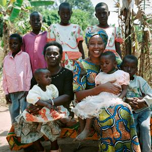 Активистка Мэгги Баранкитс: Я спасала детей от геноцида в Бурунди — Личный опыт на Wonderzine