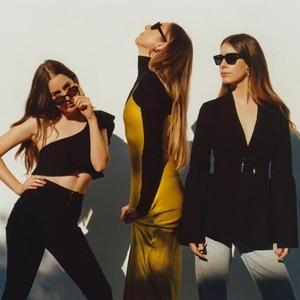 Новая искренность: Как сёстры из Haim спасают рок от самого себя — Музыка на Wonderzine