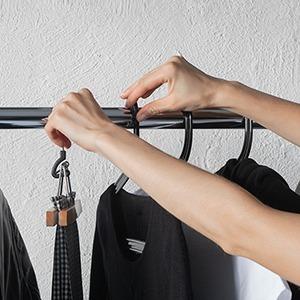 «Хочется наряжаться»: Женщины о том, как изменился их гардероб за время карантина — Стиль на Wonderzine