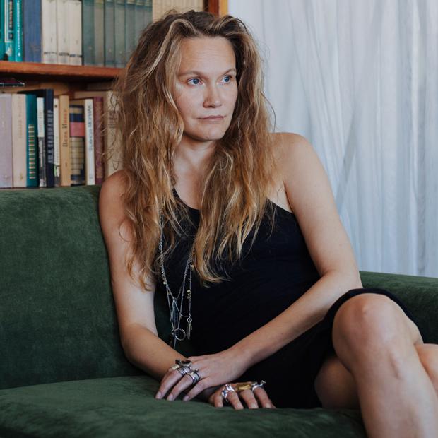 Архитектор Наталья Белоногова у себя в гостиной — Комната на Wonderzine