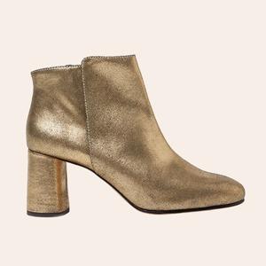 От классических ботинок до казаков: 30 пар обуви на осень — Стиль на Wonderzine