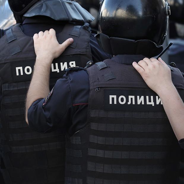 «Вы будете нас бить?»: Люди о насилии, которое они пережили на субботнем митинге