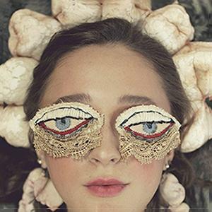На кого подписаться: Уральская художница Алиса Горшенина