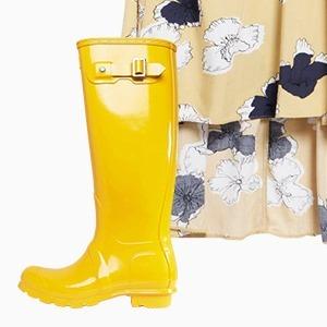 Комбо: Платье с резиновыми сапогами — Стиль на Wonderzine