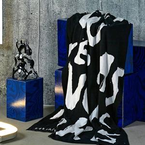Чёрно-белый плед  из коллекции ИКЕА  «Арт-Ивент» — Вишлист на Wonderzine