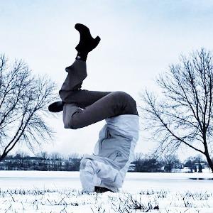 Йога на снегу в снимках из Instagram — Спорт на Wonderzine