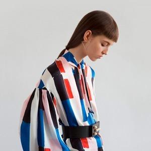 Как одеться в стиле 80-х: 10 актуальных образов