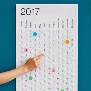 Пузырчатый календарь на 2017 год для снятия стресса — Вишлист на Wonderzine
