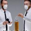 Художники создали духи, смешав все запахи 2012 года