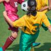 В Китае отменили студенческий футбольный матч из-за цвета волос спортсменок