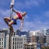 Женщина впервые прошла трассу в финале «American Ninja Warrior»