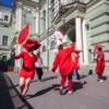 В Петербурге активистки провели танцевальный перформанс в поддержку Юлии Цветковой