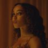 Золото и пол-дэнс в клипе FKA twigs на песню «Cellophane»
