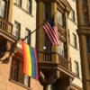 Посольство США в Москве вывесило ЛГБТ-флаг