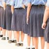 В Тюмени школьницам запретили носить брюки