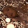 Ариана Гранде выложила  в Сеть духоподъёмный трек  и клип