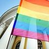 В Венгрии приняли поправки, запрещающие гомосексуальным парам усыновлять детей