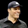 Бизнес-тренера Тони Роббинса обвинили в домогательствах
