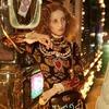 Вышла кампания Gucci  с Петрой Коллинз и ночным Токио