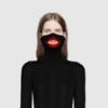 Gucci обвинили в расизме из-за водолазки с вырезом в форме губ