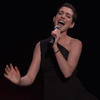 Энн Хэтэуэй распевает рэп-хиты на мотивы бродвейских мюзиклов