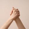 Avon поддержит работу центра помощи пострадавшим от домашнего насилия «Анна»