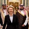 Министр из Германии отказалась надеть хиджаб  в Саудовской Аравии