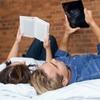 Оказывается, чтение  с планшета мешает нашему сну