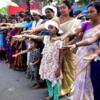 В Индии женщины устроили акцию против запрета на посещение храма