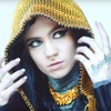 В новом документальном фильме Grimes рассказала  о музыке и агрессии