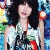 Стрит-арт-художники создали принты для платков Louis Vuitton