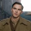 Николас Холт играет автора «Властелина колец» в трейлере «Толкина»