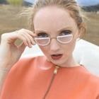 Модель Лили Коул запустила экомарку очков Wires Glasses