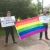 ЛГБТ-активисты провели акцию #времяговорить  на Марсовом поле