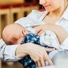 Посетительнице парижского Диснейленда запретили кормить ребёнка грудью на публике