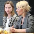 «Ты не одна»:  Алёна Попова и Саша Митрошина о сети взаимопомощи женщин