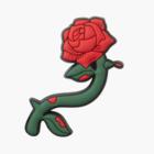 Жемчуг, стразы, розы: Джибитсы Crocs, которые теперь можно носить на всем